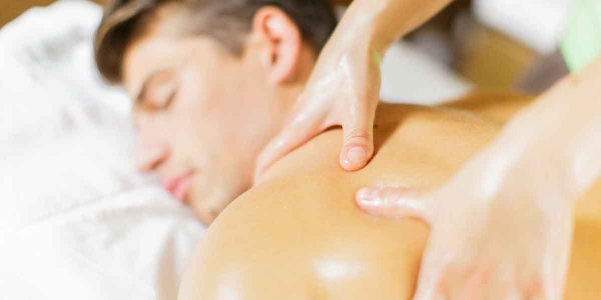 DraftThe Benefits of a Professional Men Massage